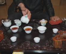 Tasting different roasted teas.
